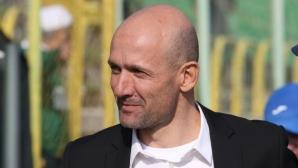 Радуканов: Младите трябва да си заслужат мястото на терена