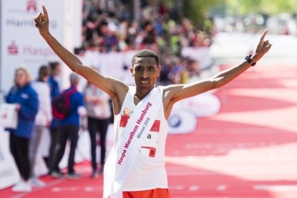 Етиопци триумфираха в маратона на Хамбург