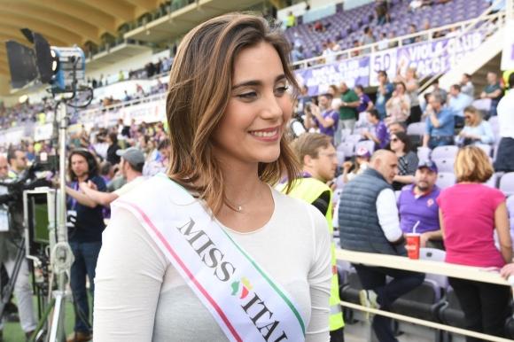 """Мис Италия вдъхнови Симеоне и компания на """"Артемио Франки"""""""