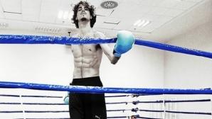 Тамбери се пробва в бокса