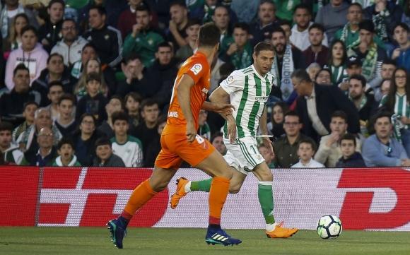 Победа срещу последния класира Бетис в Лига Европа (видео)
