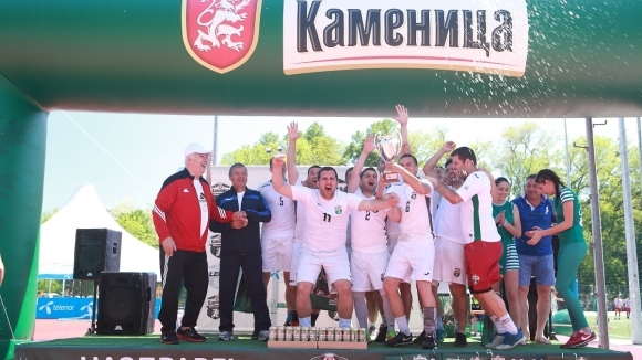 Наздраве за Вип Дент (Пловдив) – регионален шампион на Фен Купа 2018