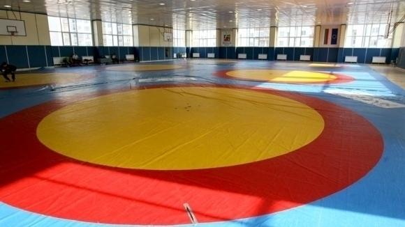 Четирима български борци ще се опитат да стигнат до бронзови медали днес