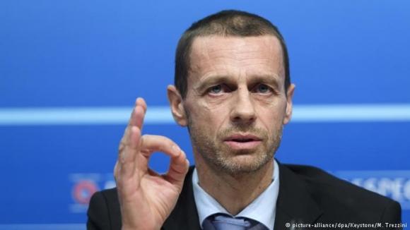 Президентът на УЕФА прие покана на министър Кралев