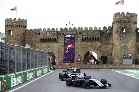 Пълно фиаско с новите болиди във Формула 2