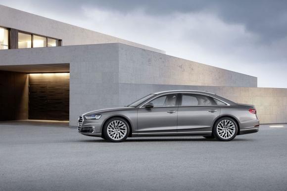 """Audi A8 бе отличен с наградата """"World Luxury Car 2018"""""""