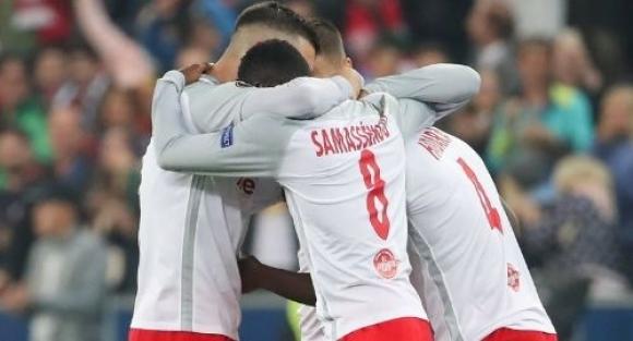 Сълзи в съблекалнята на австрийците