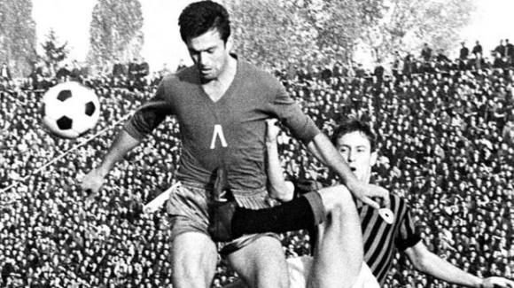 Легенди на Ботев гости на мача с Левски в чест на 75 години от рождението на Гунди
