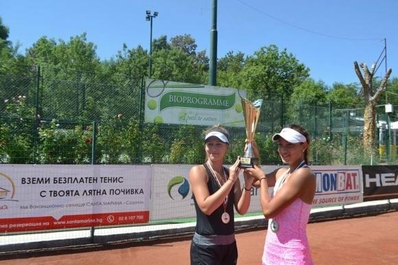 Топалова и Аршинкова ще играят за титлата на двойки в Кайро