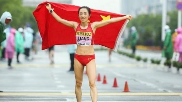 Китайка спечели злато с нов световен рекорд