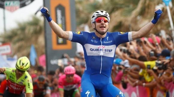 Елиа Вивиани с втора етапна победа в Обиколката на Италия