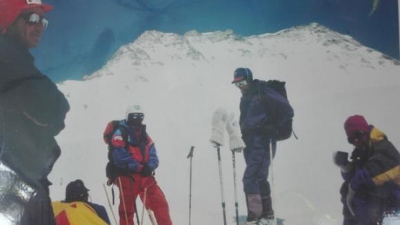 Какво е да изкачваш връх Шиша Пангма: Разказ на д-р Калина Сълова