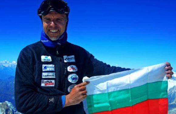 Шестима души продължават търсенето на Боян Петров