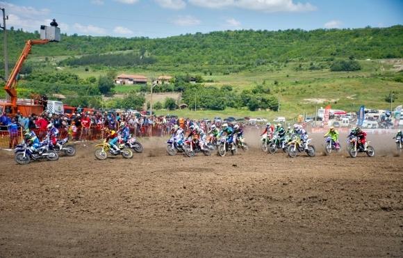 Над 100 състезатели ще карат през уикенда в Гран при на Левски по мотокрос
