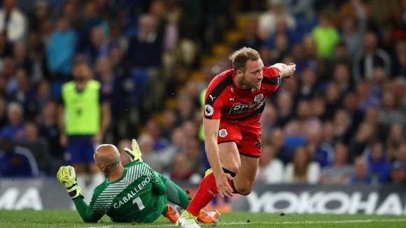 """Хъдърсфийлд се спаси на """"Стамфорд Бридж"""" и минимализира шансовете на Челси за топ 4 (видео)"""