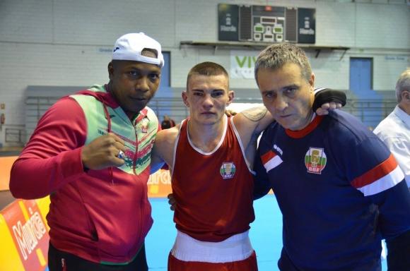 Българските боксьори стартираха с победи на турнира в Испания