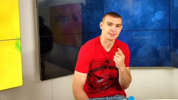 Наш световен шампион по кикбокс към украинец: Чакам те, ще ти покажа как се прави (видео)