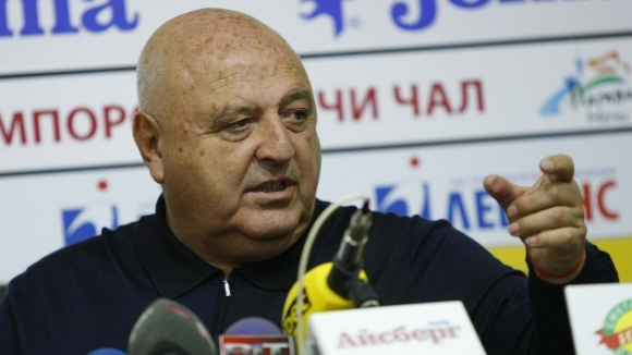 Венци Стефанов: На онзи човечец там бих му дал друга работа, да стане преводач