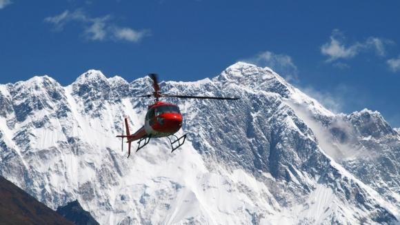 Надежда! Китай пусна спасителните хеликоптери за Боян Петров