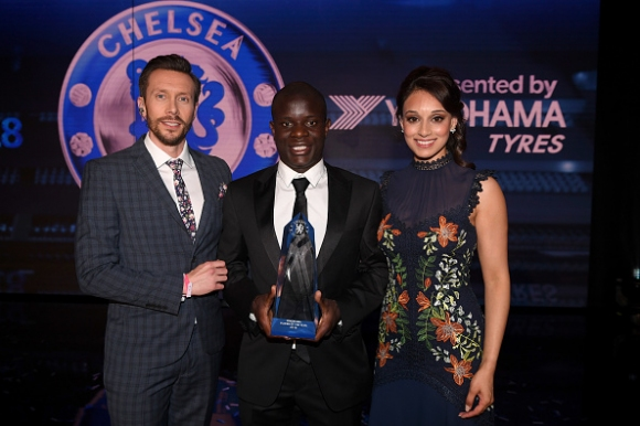 В Челси раздадоха награди и се похвалиха с новия екип