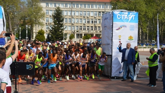 Около 30 чуждестранни атлети ще участват в класическата дистанция на маратона във Варна