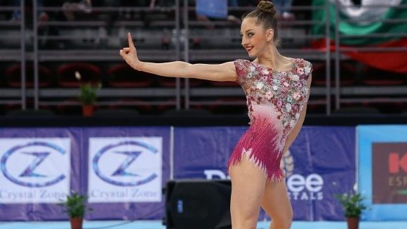 Калейн поведе след първите два уреда в София, Тасева и Владинова я следват
