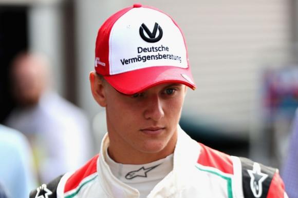Мик Шумахер се прицели в титлата във Формула 3
