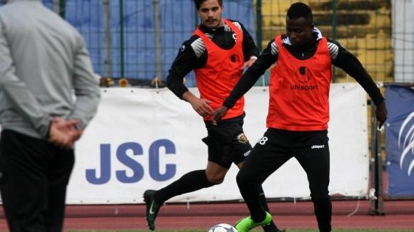 Втори играч на Локо (Пд) с повиквателна за националния отбор на Нигерия