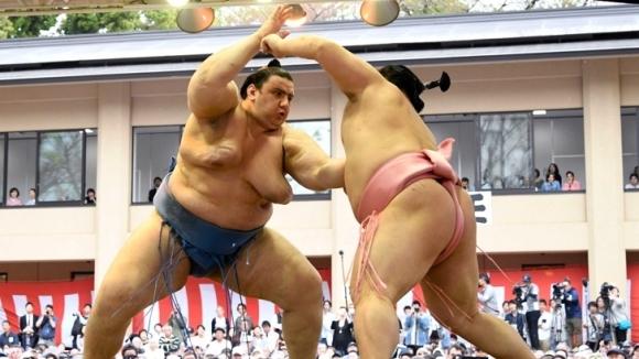 Втора победа за Аоияма на майския турнир в Токио