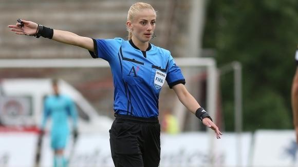 Българска съдийка ще ръководи полуфинал на Европейско между Германия и Англия