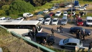 Отложиха плейофа от Лига 2 във Франция, феновете на Аячо нападнаха автобуса на Льо Авър