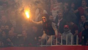 Страшно меле в Пловдив - агитките на ЦСКА и Локо (Пловдив) се сбиха на боксов мач (видео)