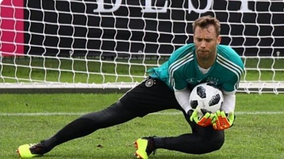 Льов изрази увереност, че Нойер ще може да играе в Русия