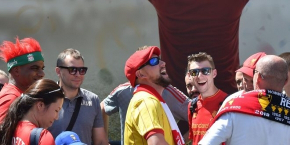 Отмениха полетите до Киев на около хиляда фенове на Ливърпул