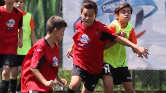Талантите на Локомотив (София) продължават с победите