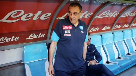Де Лаурентис извива ръцете на Челси за Сари