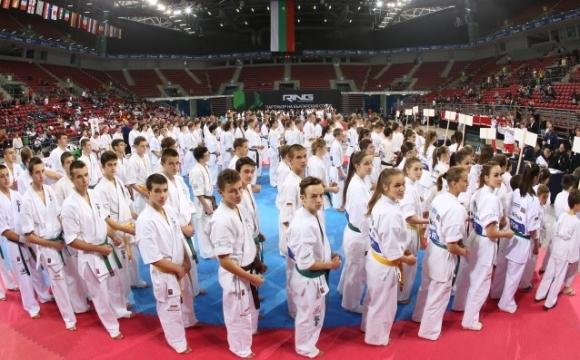 Два медала за България на Световната младежка лига по карате