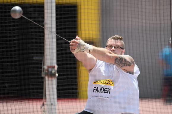 Файдек оглави световната ранглиста на чук, Влодарчик с първа загуба от 2014 г.