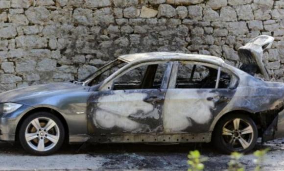 Вкарват в затвора хулигана, който запали колата на фенове на Левски