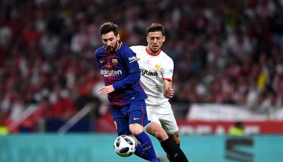 Исканият от Барселона защитник забавя сделката