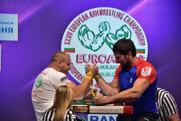 Две титли и още два медала за България в последния ден на Европейското по канадска борба
