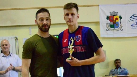 Иван Алипиев е MVP при юношите