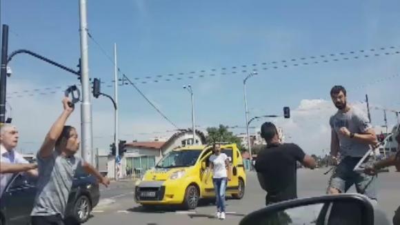Задържаха тримата роми нападнали бившия волейболист на Левски