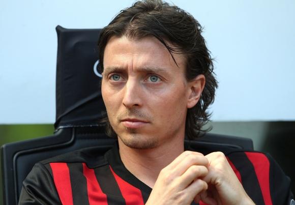 Монтоливо иска да скъса с Милан