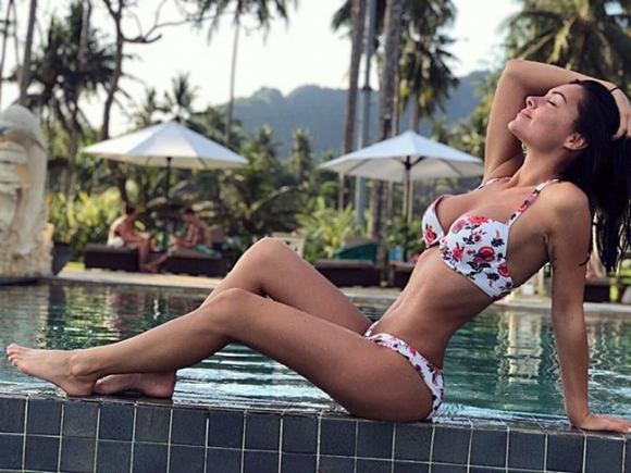 Костадинов глези гаджето на Бали (снимки)