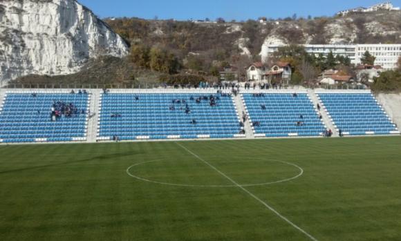 Електронно табло на стадиона в Балчик