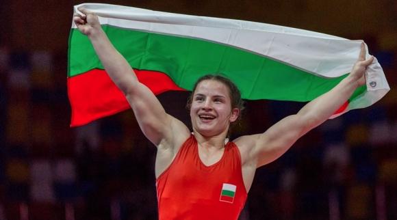 Биляна Дудова не пощади никого и отново е златна!