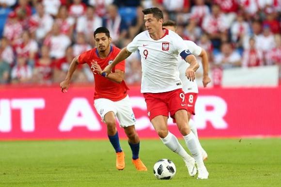 Лева показа класа, но Полша изпусна преднина от два гола (видео)