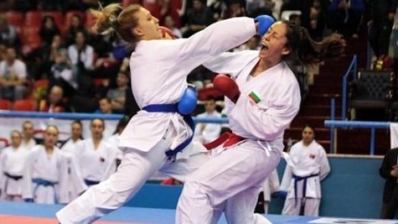Александра Стублева с победа и загуба на силен турнир по карате в Истанбул