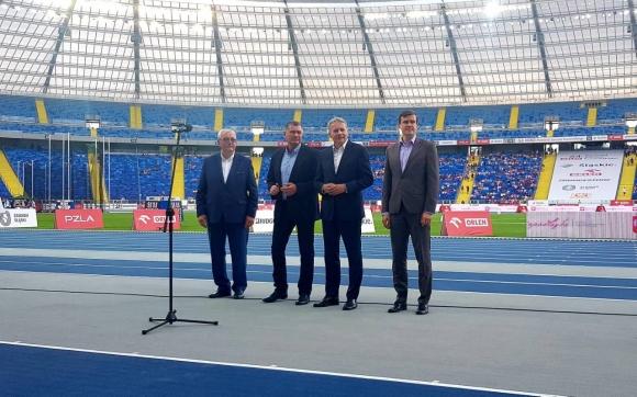 Карамаринов откри атлетически стадион в Полша